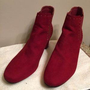 New-Jacklyn Smith Red ankles Booties - Collection.